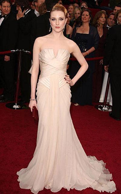 Звезда фильма «Рестлер» Эван Рэйчел Вуд в платье Elie Saab, украшениях от Neil Lane.